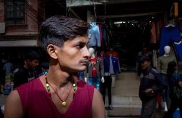 Ritratto di giovane nepalese a Kathmandu